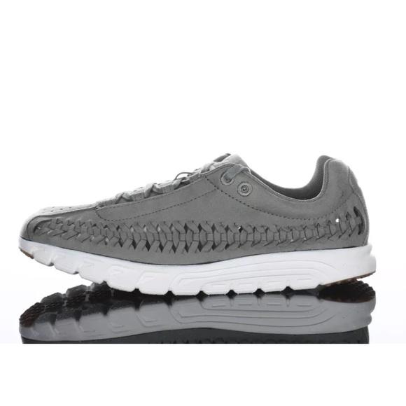 Nike Mayfly Woven Athletic Shoe SZ 7 Womens NWD 0405eda2e